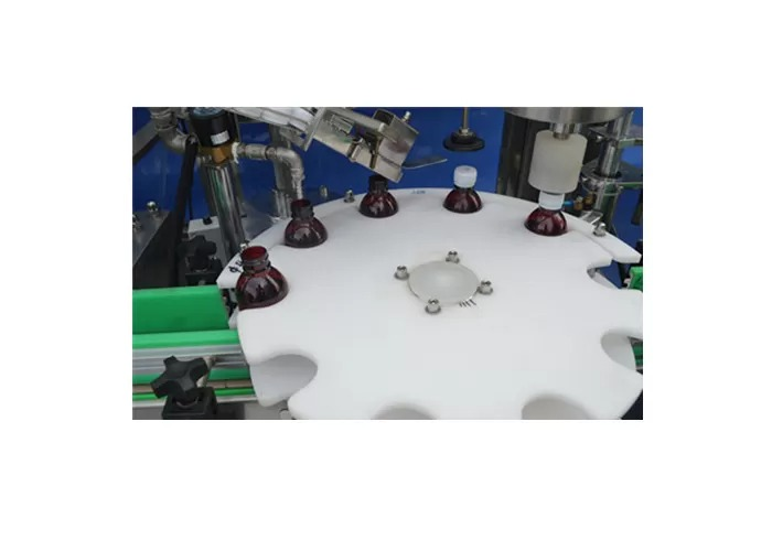 पिस्टन पंप ऑटोमॅटिक लिक्विड फिलिंग मशीन